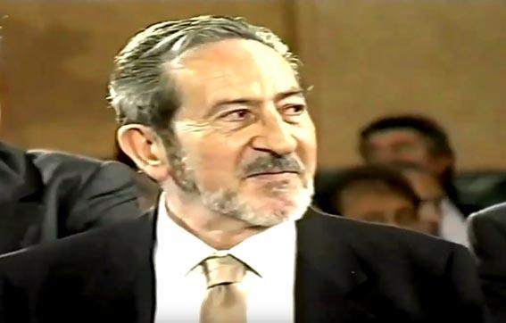 Doctor Valero Mártinez medalla mérito social 2002